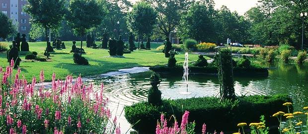 Topiary Park Main Library
